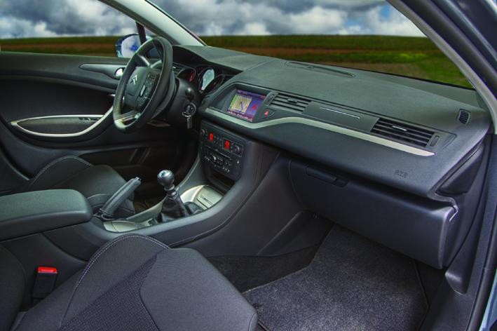 interior_taxi_gruas_chamorro